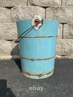 Antique Vintage 1920s White Mountain 4 Qt. Hand Crank Ice Cream Freezer Maker