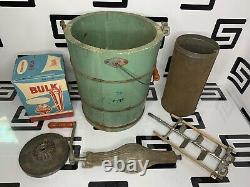 Antique Vintage Alaska Ice Cream Maker Freezer 4 Qt. Gal Blue Hand Crank Wood