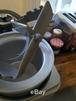 CUISINART 2L ice cream maker / frozen yoghurt / sorbet ICE30BCU Nearly New