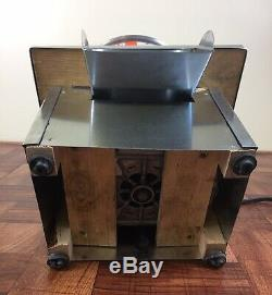 Maquina De Hacer Pasteles. Pasteles Machine