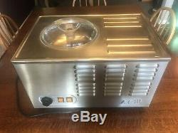 Musso Pola Ice Cream maker machine Model L2 Or L2A 2 Quart Works Awesome