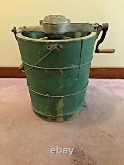 Vintage 1926 White Mountain Freezer 4 Quart Wooden Ice Cream Maker Complete