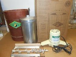 Vintage 6 quart electric white mountain ice cream maker freezer IOB