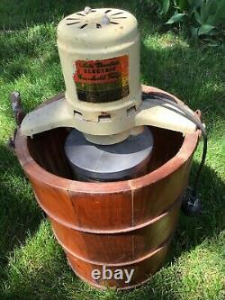Vintage White Mountain 4-Quart Electric Ice Cream Maker USA Model-692