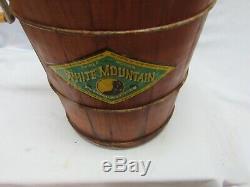 Vintage White Mountain 4 Quart Hand Crank Ice Cream Freezer Maker
