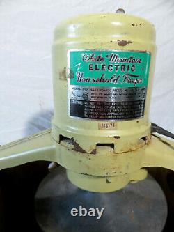 Vintage White Mountain 6 Qt. Model 692 Electric Ice Cream Freezer Maker Complete