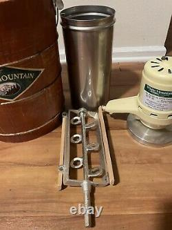 Vintage White Mountain 69204 Electric Ice Cream Maker Freezer 4 Quart