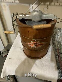 Vintage Wooden White Mountain Ice Cream Maker / Freezer 4 Qt. Hand Crank