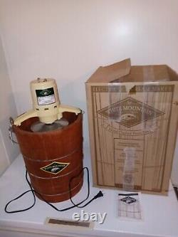 White Mountain 69206 Electric Ice Cream Maker Freezer 6 Quart Gently Used In Box
