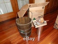White Mountain Electric Ice Cream Maker 4-Quart Brown used 5 times! NO RESERVE